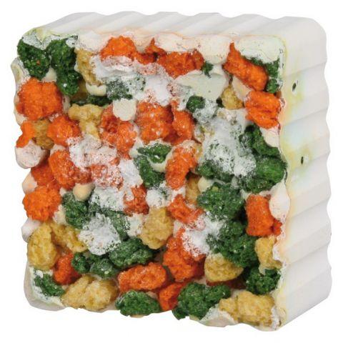 TRIXIE (Трикси) - 6016 Salt Gnawing Stone with Algae and Croquettes Мел для Кролика и Морской свинки